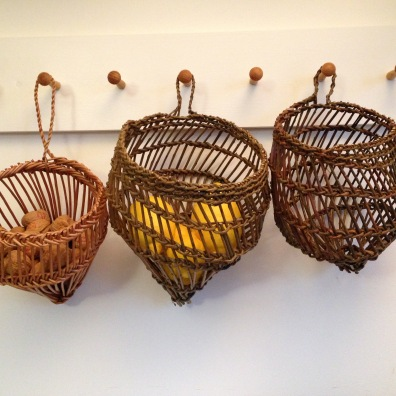 Willow baskets in Burkina Faso plaiting technique