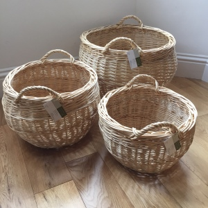 Log baskets in white willow
