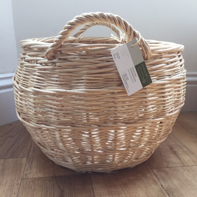 Log basket in English rand side weave